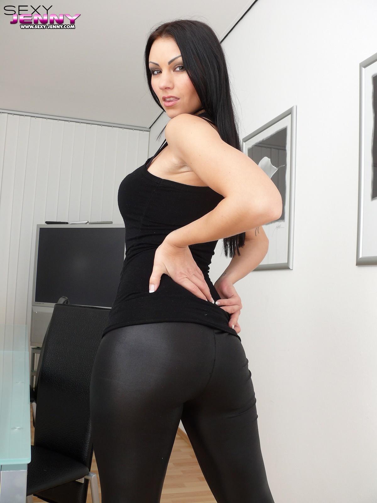 squirting in leggings femdoms